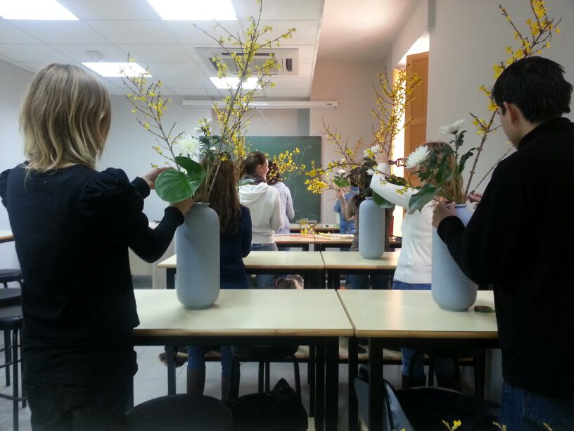 Taller de ikebana en el jard n bot nico ikebana sokosai for Jardin botanico talleres